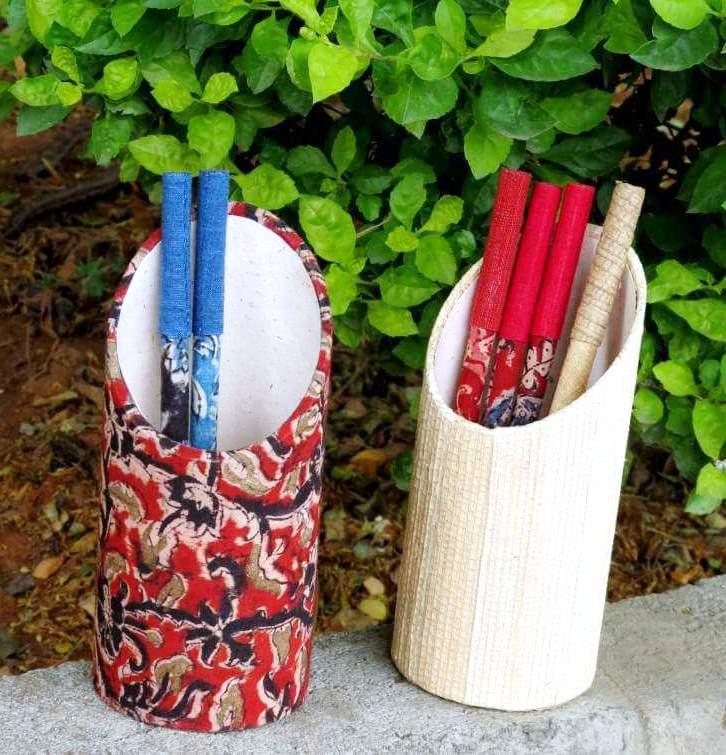 e748e4054a Buy Handmade Banana Fibre/Kalamkari Round Pen Stand online ...